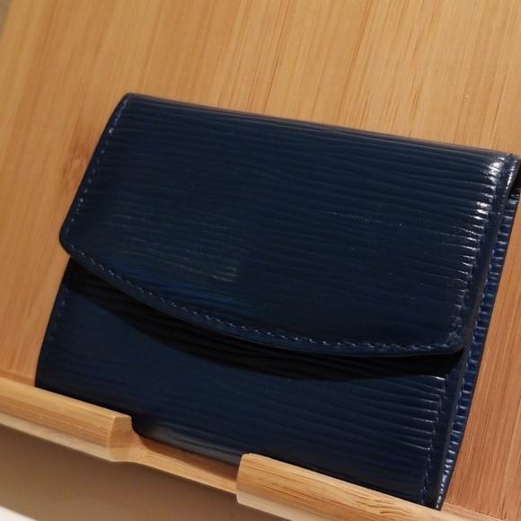 Louis Vuitton Handbags - Louis Vuitton coin purse